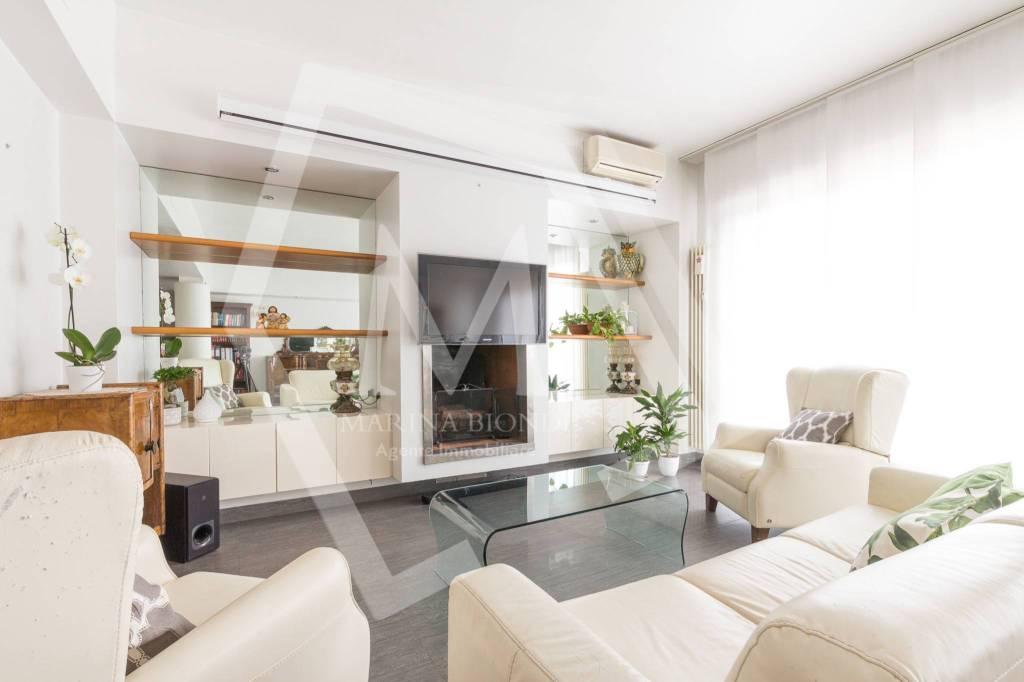 Appartamento in Vendita a Arezzo Centro: 5 locali, 130 mq