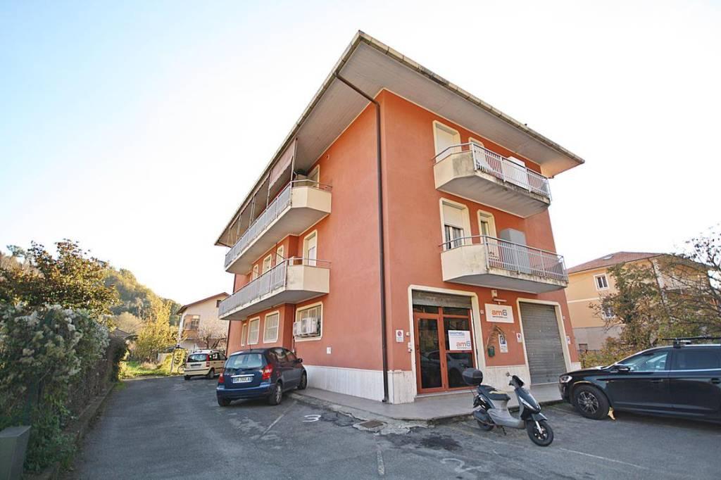 Appartamento in vendita a Carasco, 4 locali, prezzo € 145.000   CambioCasa.it