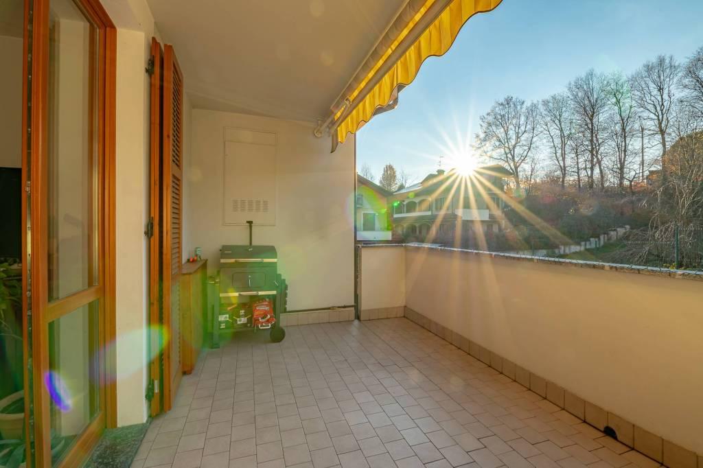 Appartamento in vendita a Carugo, 4 locali, prezzo € 210.000 | PortaleAgenzieImmobiliari.it