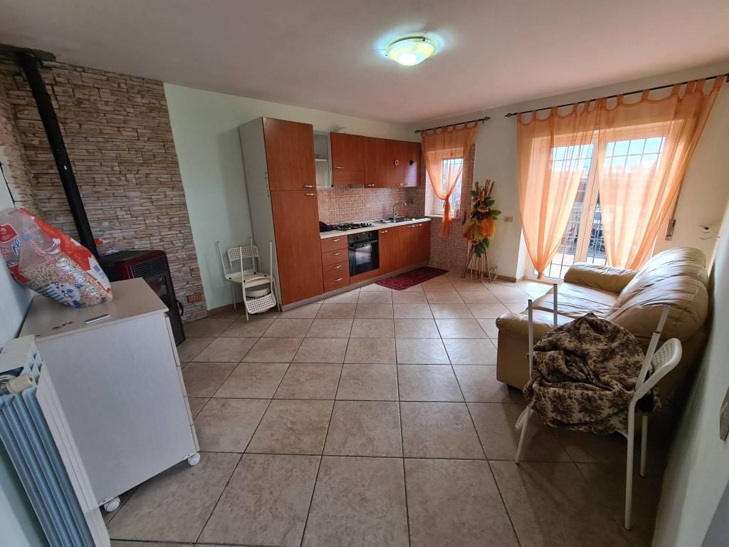 Appartamento in affitto a Colonna, 3 locali, prezzo € 650 | CambioCasa.it