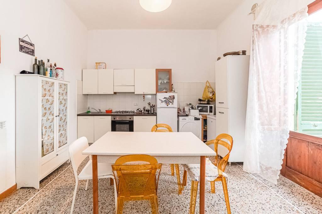 Appartamento in Vendita a Pisa Periferia Sud: 4 locali, 120 mq