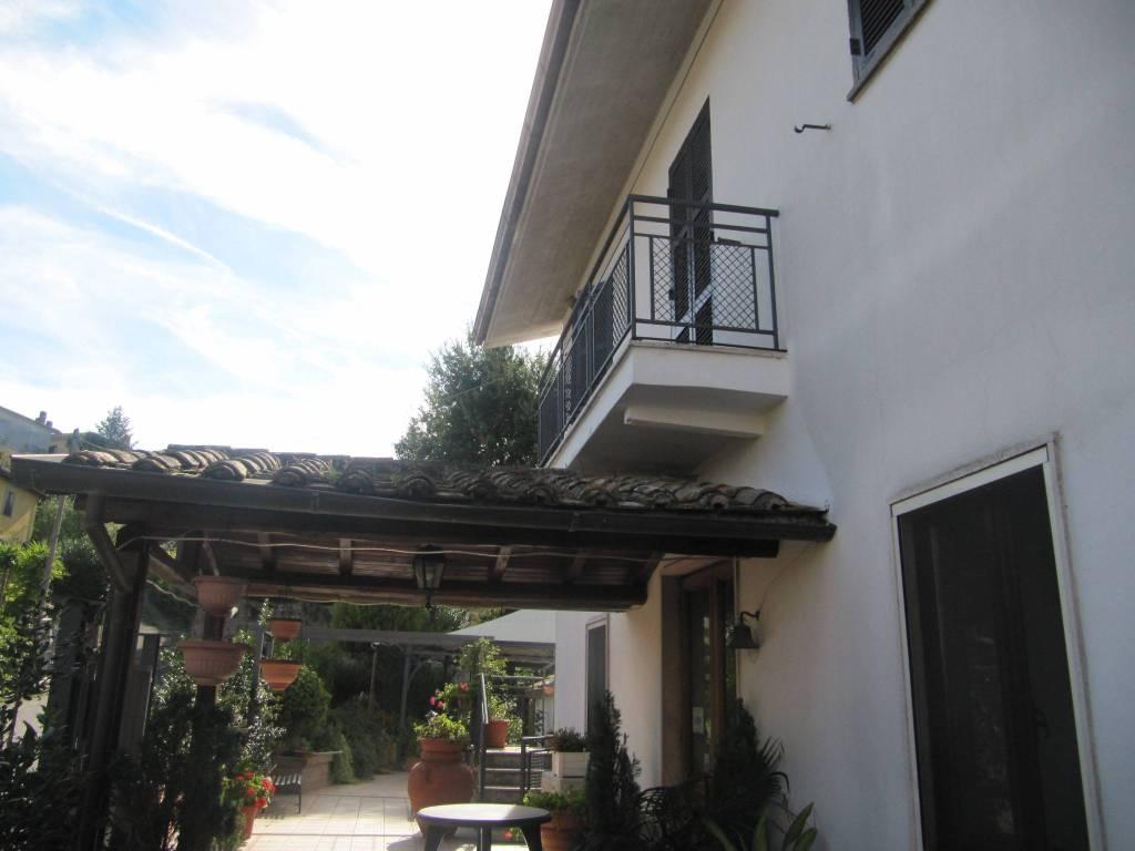 Soluzione Indipendente in vendita a Paliano, 5 locali, prezzo € 520.000 | CambioCasa.it
