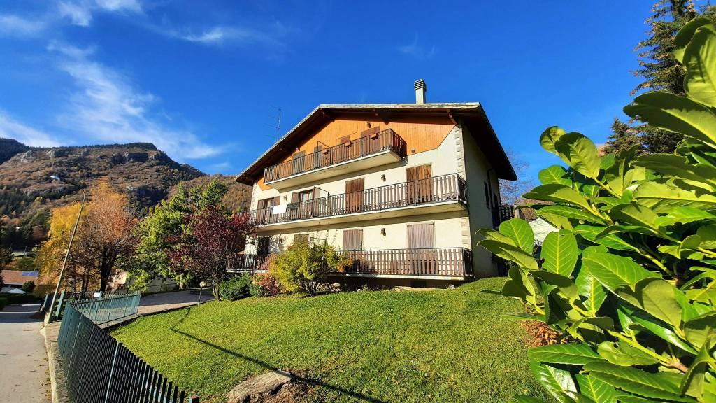 Appartamento in vendita a Castione della Presolana, 3 locali, prezzo € 110.000 | PortaleAgenzieImmobiliari.it