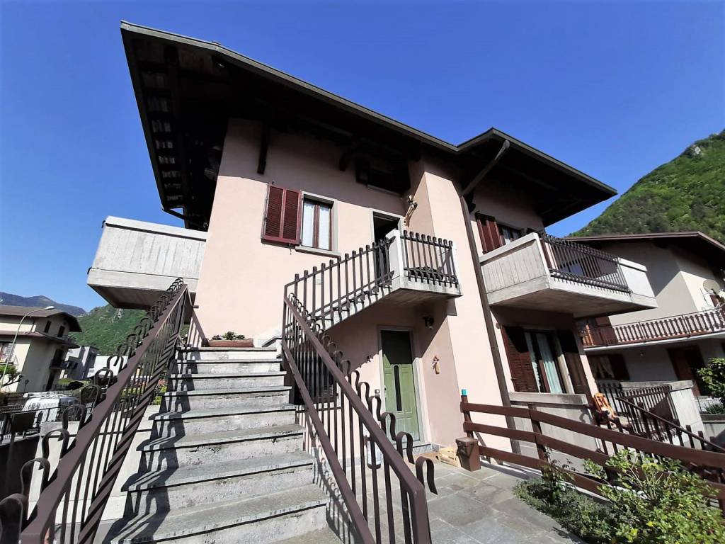 Appartamento in vendita a Piario, 3 locali, prezzo € 130.000   CambioCasa.it