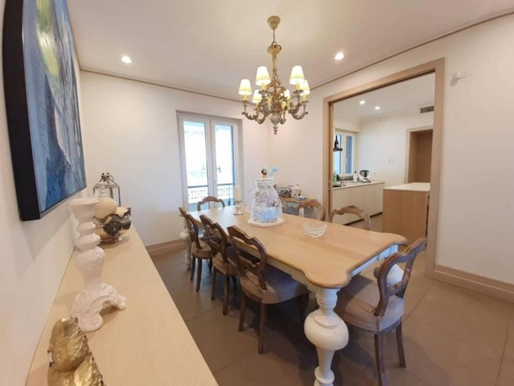 Appartamento in vendita a Salerno, 5 locali, prezzo € 750.000 | PortaleAgenzieImmobiliari.it