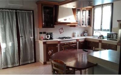Villa in Vendita a Modena Periferia Est: 5 locali, 350 mq