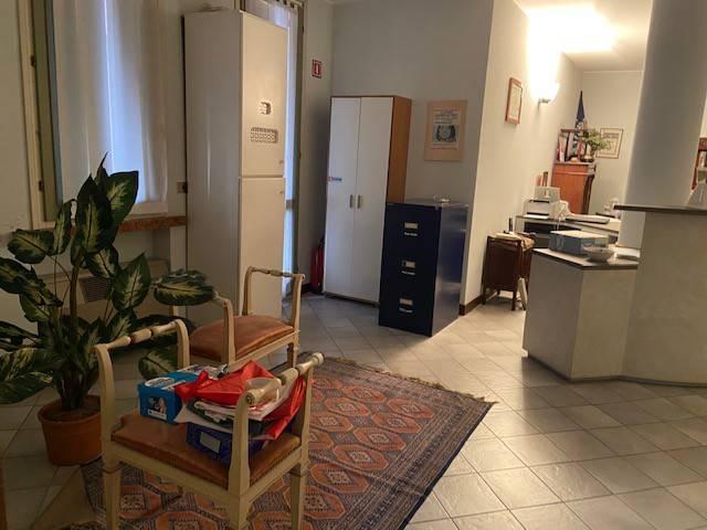 Ufficio / Studio in affitto a Viadana, 3 locali, prezzo € 800 | PortaleAgenzieImmobiliari.it