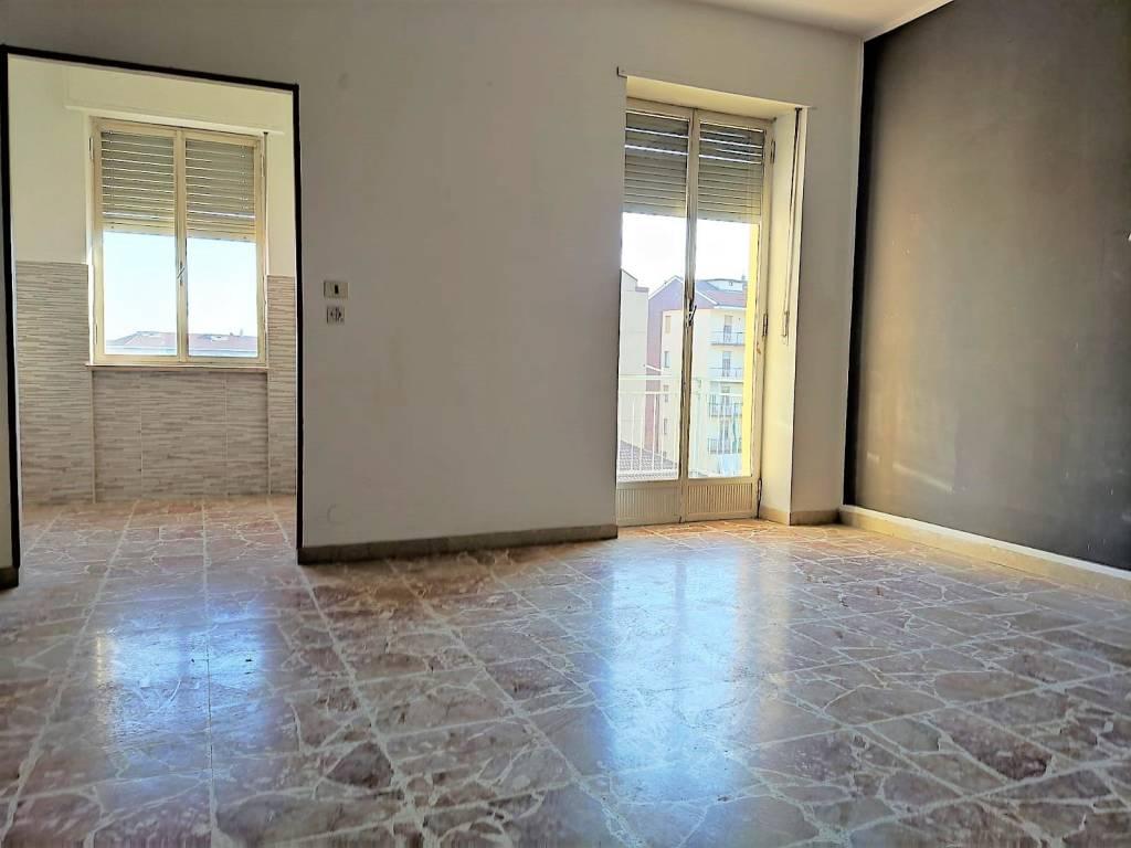 Appartamento in affitto a Orbassano, 2 locali, prezzo € 380 | PortaleAgenzieImmobiliari.it