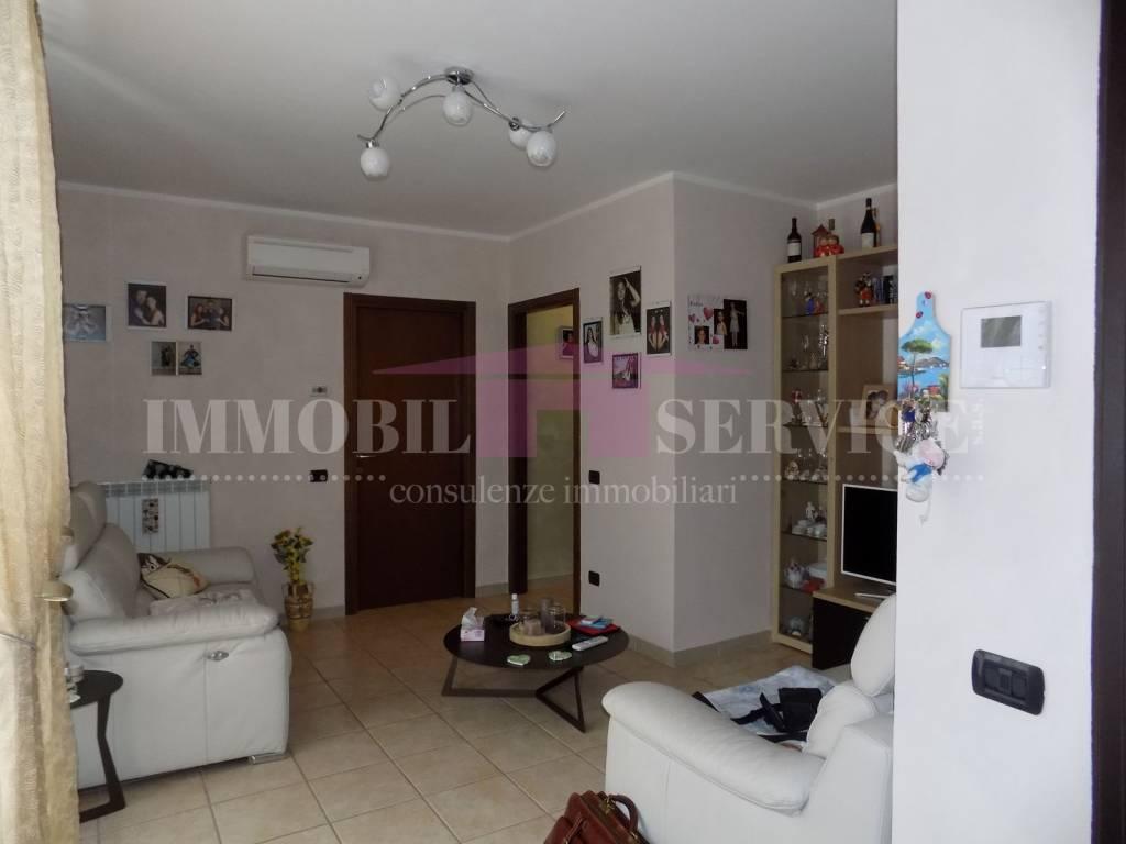 Appartamento in vendita a Gerenzano, 3 locali, prezzo € 129.000   CambioCasa.it