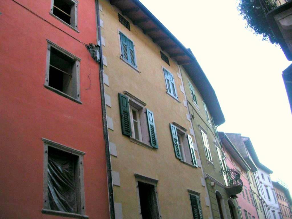 Appartamento in ottime condizioni parzialmente arredato in vendita Rif. 7516830