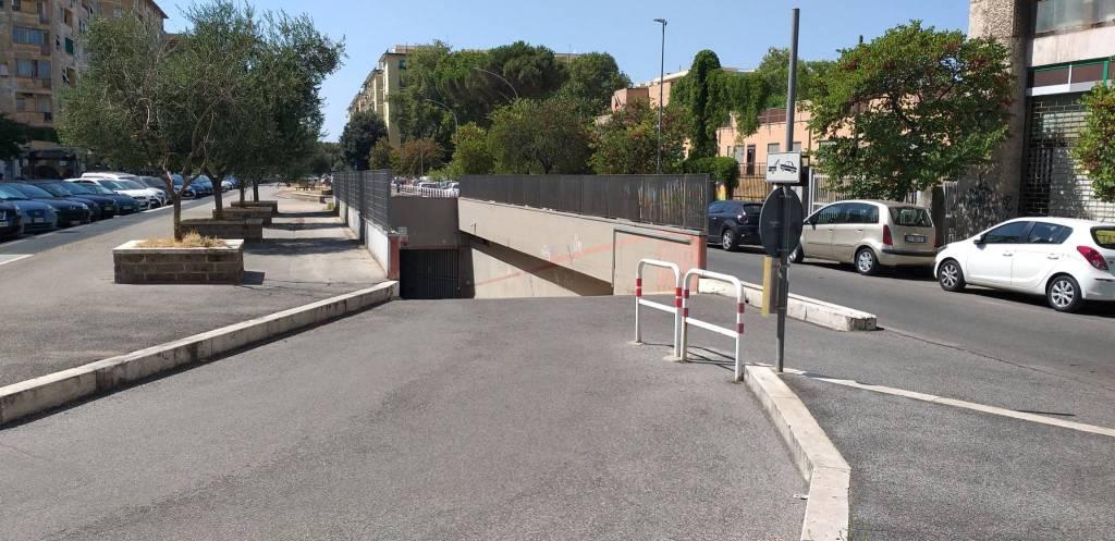 Box / Garage in vendita a Roma, 9999 locali, zona Zona: 12 . Cinecittà,Don Bosco, Lucrezia Romana, prezzo € 38.000   CambioCasa.it