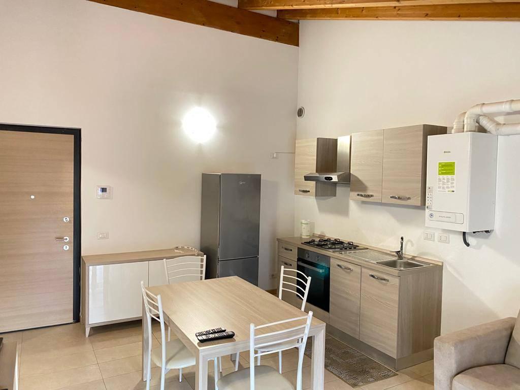 Appartamento in ottime condizioni in affitto Rif. 4280898