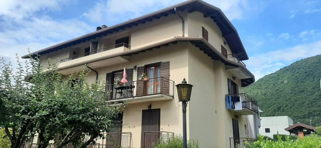 Appartamento in vendita a Piario, 3 locali, prezzo € 85.000   CambioCasa.it