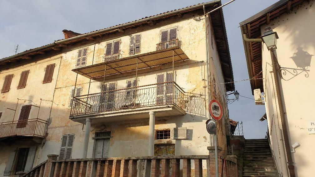 Soluzione Indipendente in vendita a Viale, 8 locali, prezzo € 15.000 | CambioCasa.it