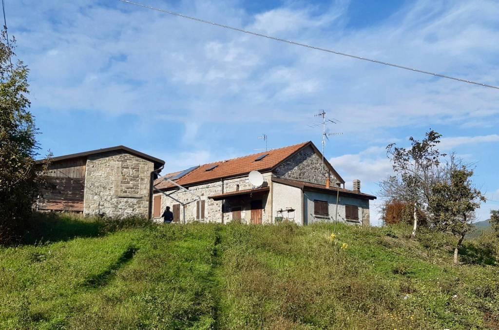 Soluzione Indipendente in vendita a Borgo Val di Taro, 3 locali, prezzo € 65.000   CambioCasa.it