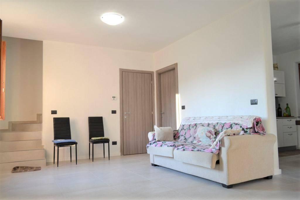 Villa in vendita a San Sebastiano da Po, 4 locali, prezzo € 190.000 | CambioCasa.it