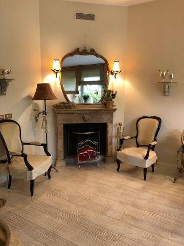 Appartamento in ottime condizioni arredato in vendita Rif. 6388130