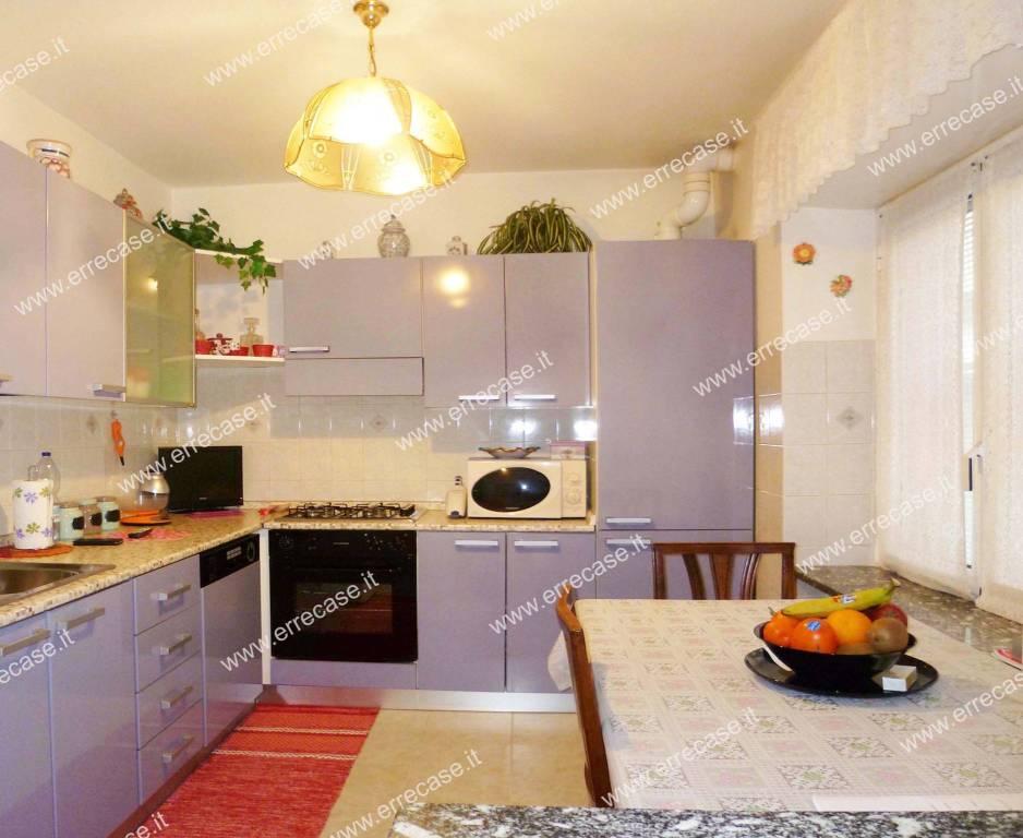 Appartamento in ottime condizioni in vendita Rif. 9334765