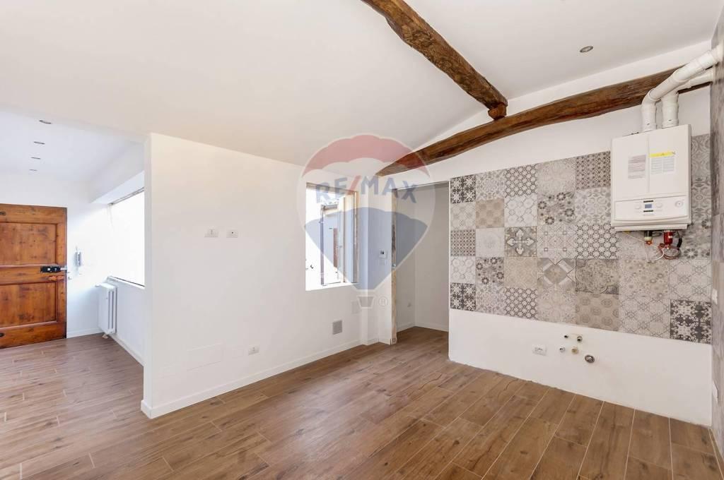 Appartamento in Vendita a Castel San Pietro Terme Centro: 2 locali, 43 mq