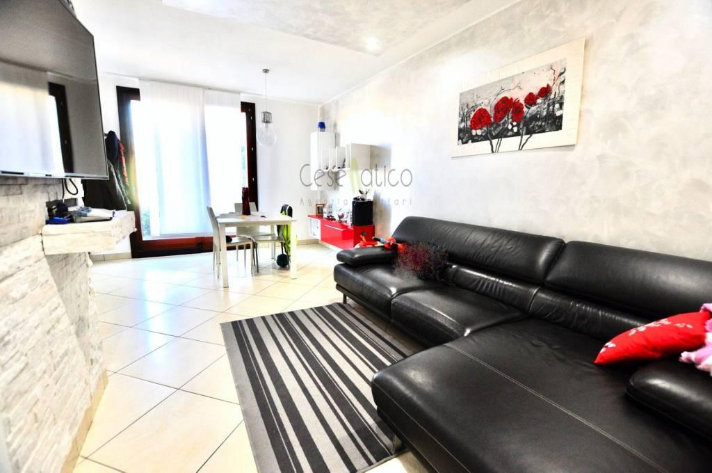 Villa in Vendita a Cesenatico Centro: 3 locali, 170 mq