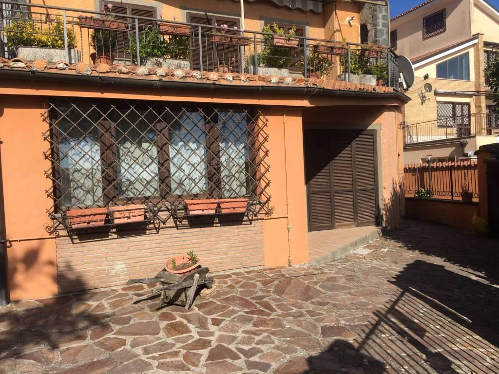 Appartamento in vendita a Rocca Priora, 4 locali, prezzo € 159.000 | CambioCasa.it