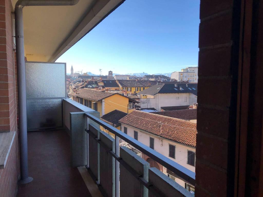 Appartamento in vendita a Savigliano, 4 locali, prezzo € 200.000 | CambioCasa.it