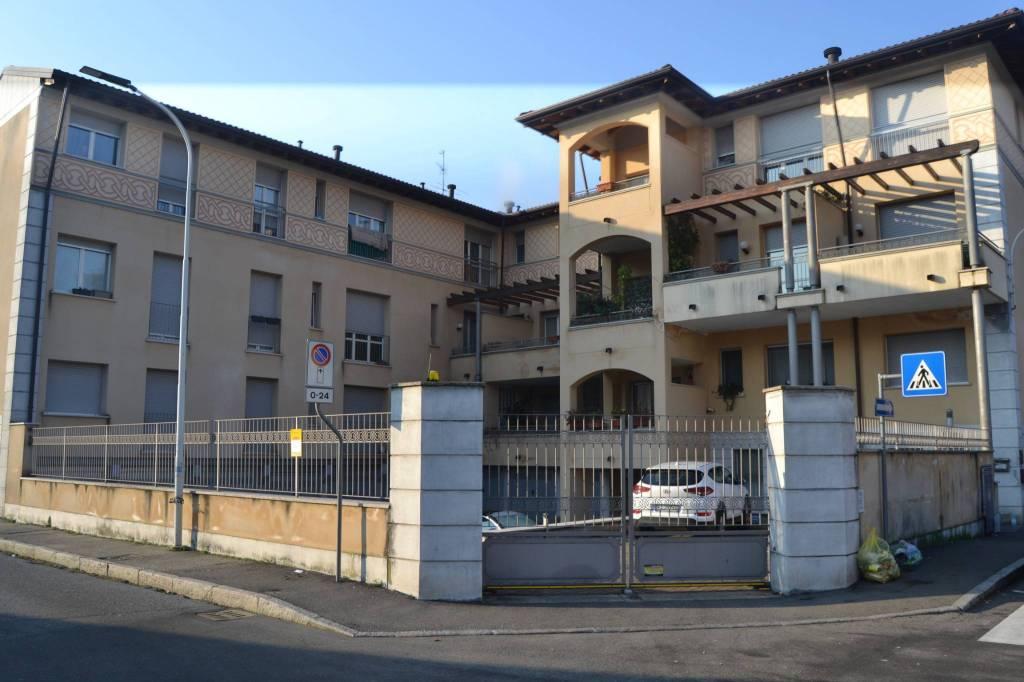 Appartamento in affitto a Seregno, 1 locali, prezzo € 450 | CambioCasa.it