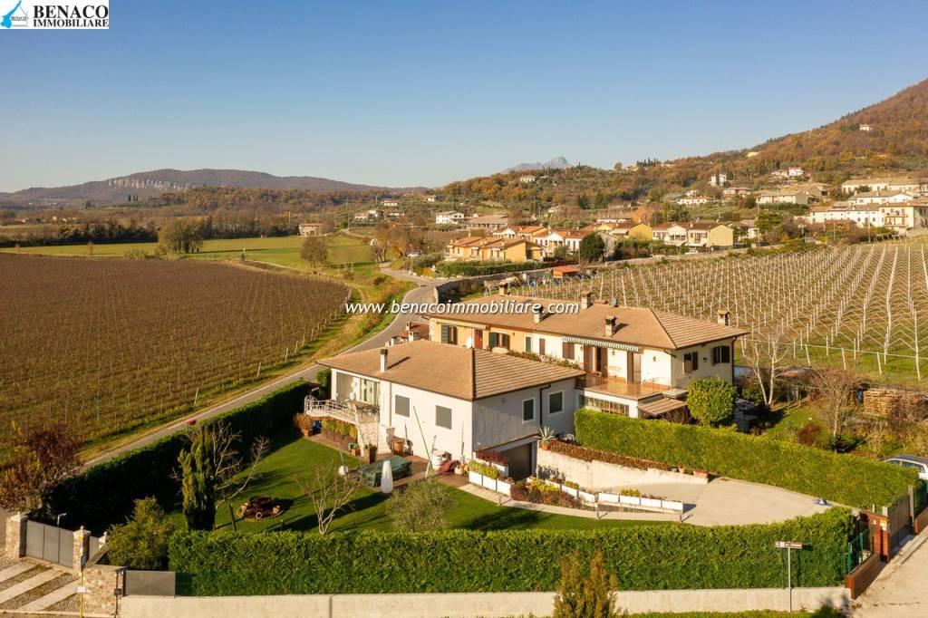 Villa in vendita a Costermano, 8 locali, prezzo € 680.000 | CambioCasa.it