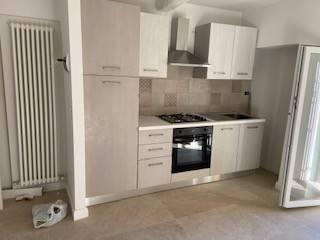 Appartamento in Affitto a Magione: 3 locali, 60 mq