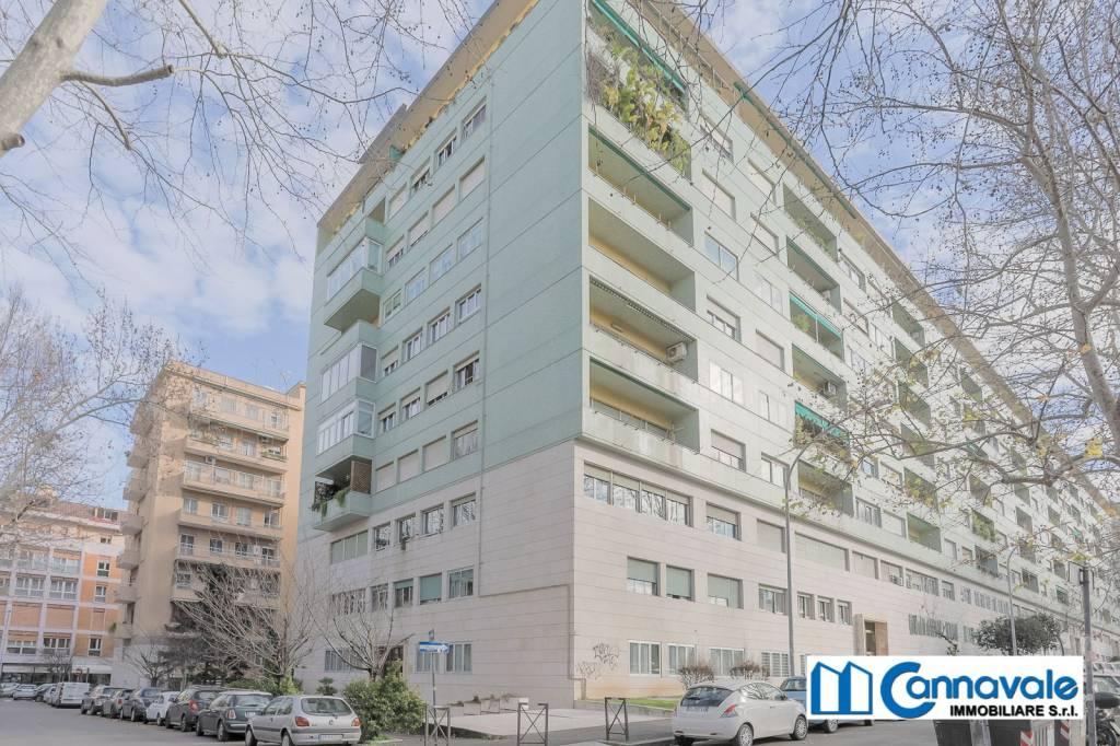 Appartamento in vendita a Roma, 4 locali, zona Zona: 19 . Colombo, Garbatella, Navigatori, Omboni, prezzo € 359.000 | CambioCasa.it
