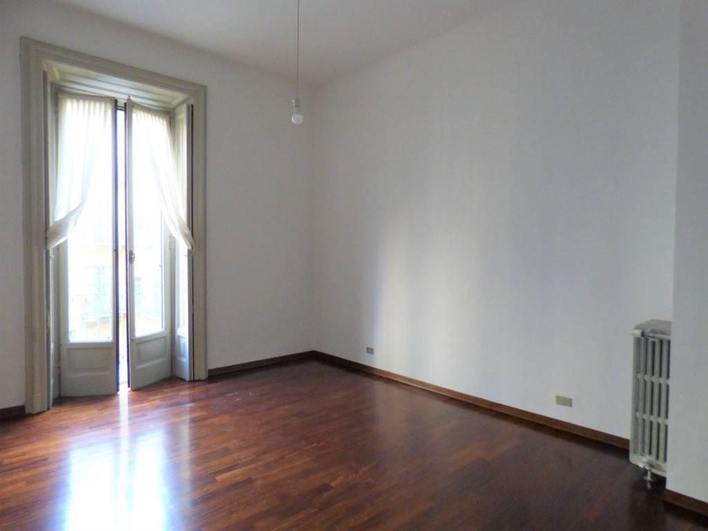 Appartamento in affitto a Milano, 2 locali, prezzo € 1.333 | CambioCasa.it