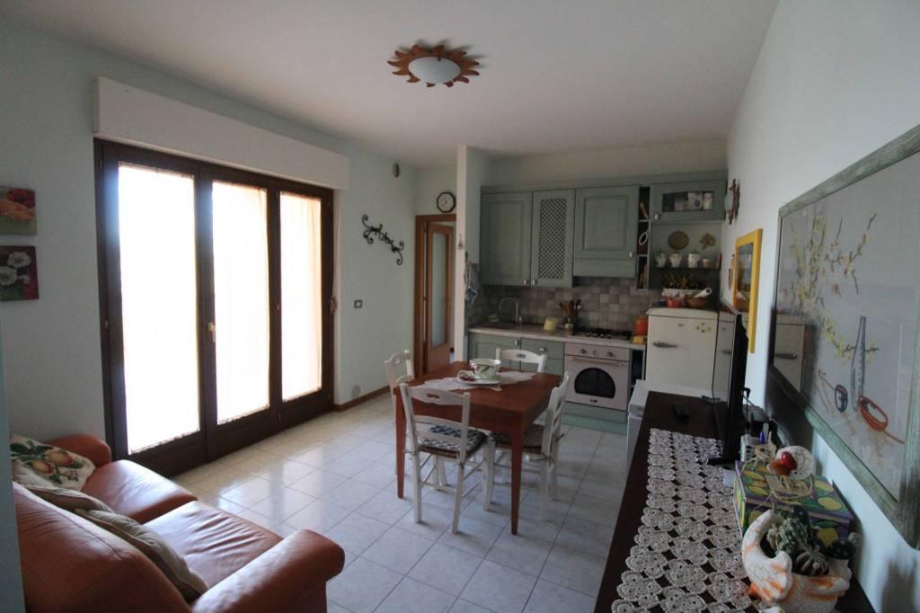 Appartamento in vendita a Tortoreto, 3 locali, prezzo € 134.000 | CambioCasa.it