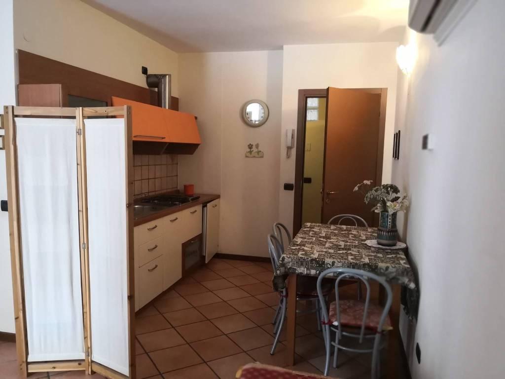 Appartamento in affitto a Bardolino, 1 locali, prezzo € 450   CambioCasa.it