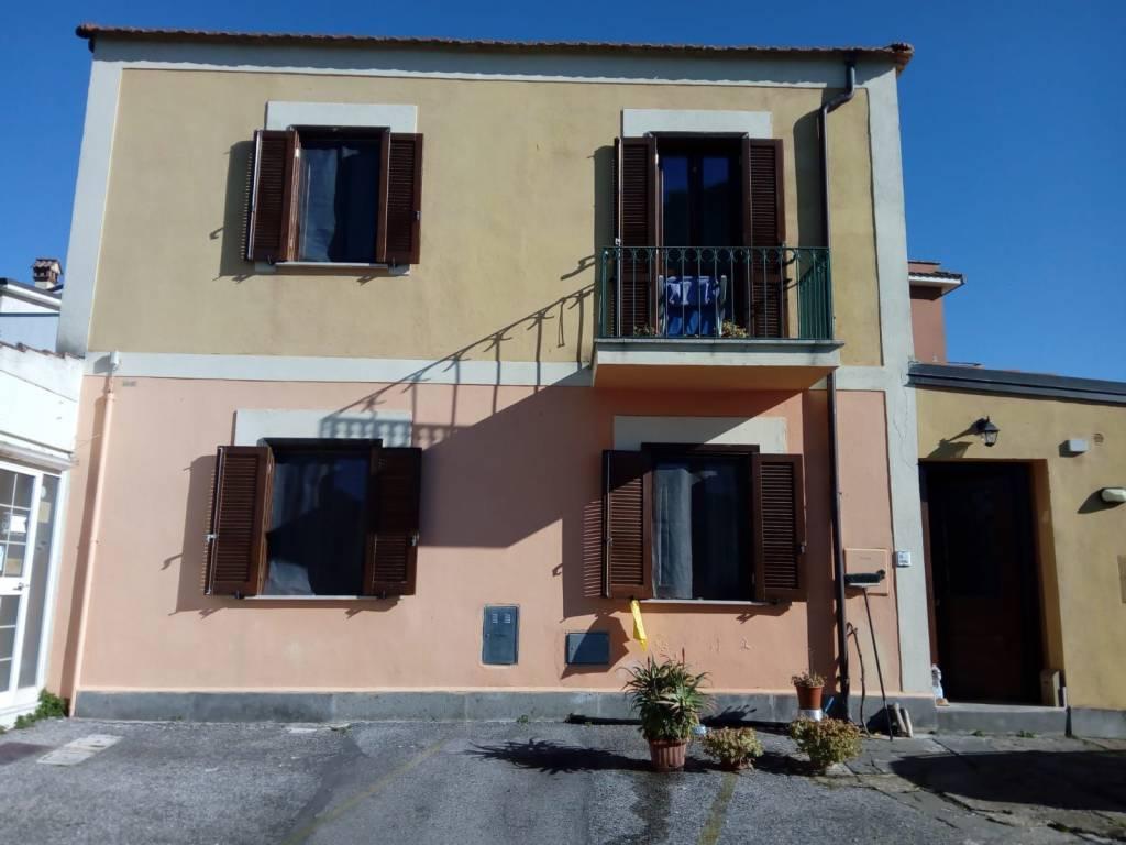 Soluzione Indipendente in vendita a Albano Laziale, 3 locali, prezzo € 150.000   CambioCasa.it