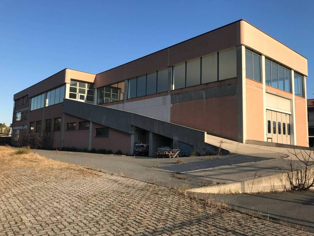 Capannone in vendita a Savona, 2 locali, prezzo € 830.000 | CambioCasa.it