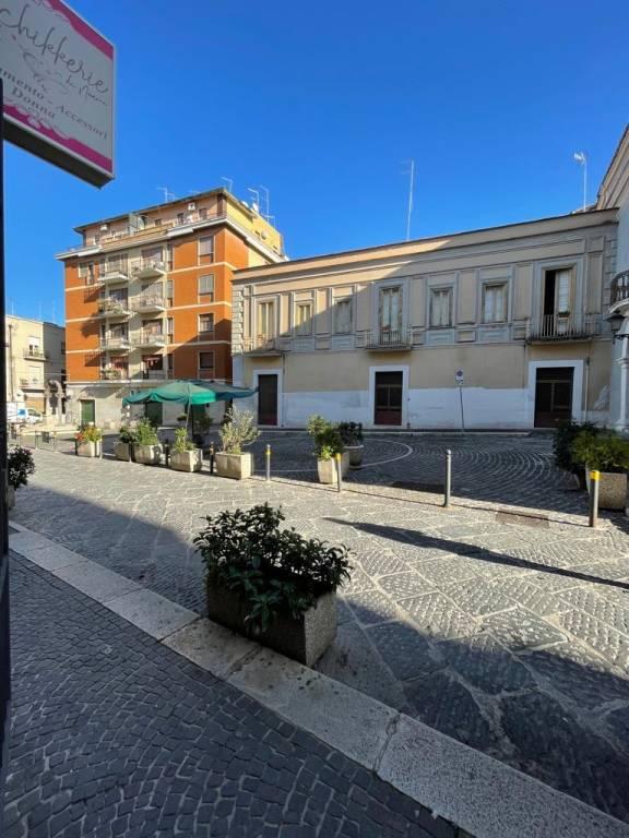 Negozio-locale in Affitto a Foggia Centro: 2 locali, 60 mq