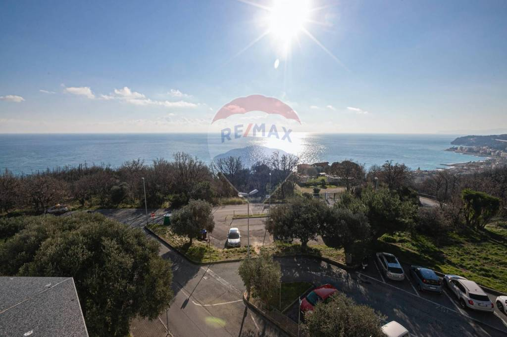 Appartamento in vendita a Cogoleto, 3 locali, prezzo € 245.000 | PortaleAgenzieImmobiliari.it