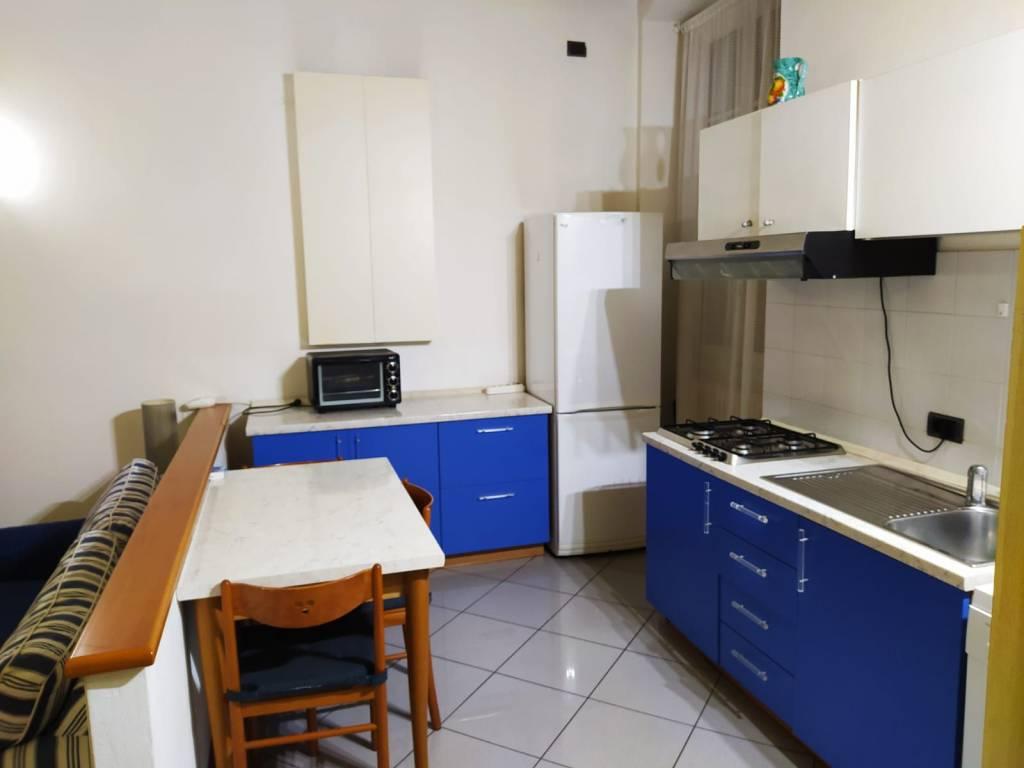 Appartamento in buone condizioni arredato in affitto Rif. 8245137