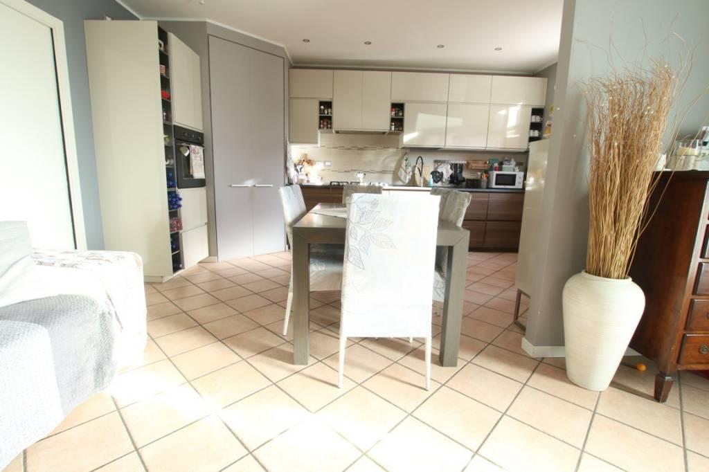 Appartamento in vendita a Arcugnano, 3 locali, prezzo € 220.000 | CambioCasa.it