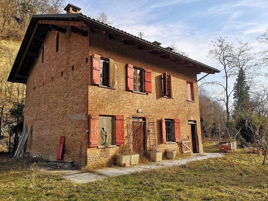 Villa in vendita a San Damiano d'Asti, 5 locali, prezzo € 78.000   PortaleAgenzieImmobiliari.it
