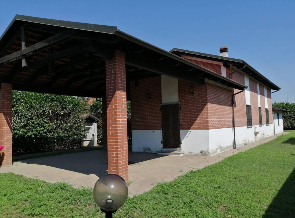 Villa in vendita a San Germano Vercellese, 5 locali, prezzo € 165.000   PortaleAgenzieImmobiliari.it