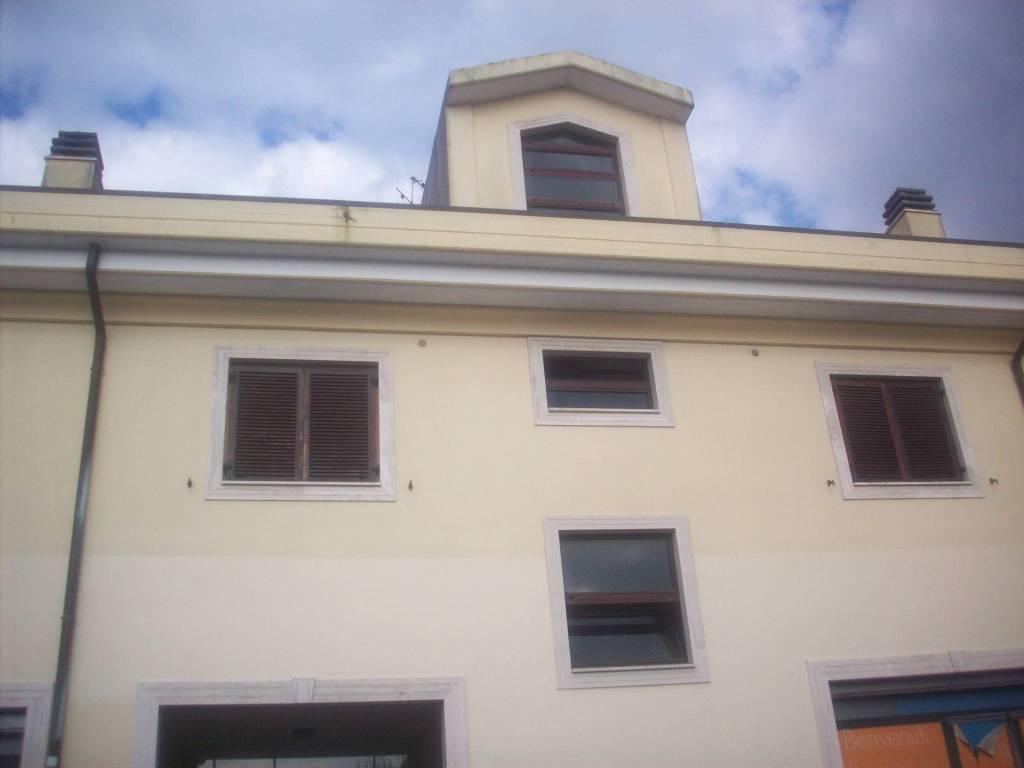 Ufficio / Studio in affitto a Ariccia, 1 locali, prezzo € 800 | CambioCasa.it