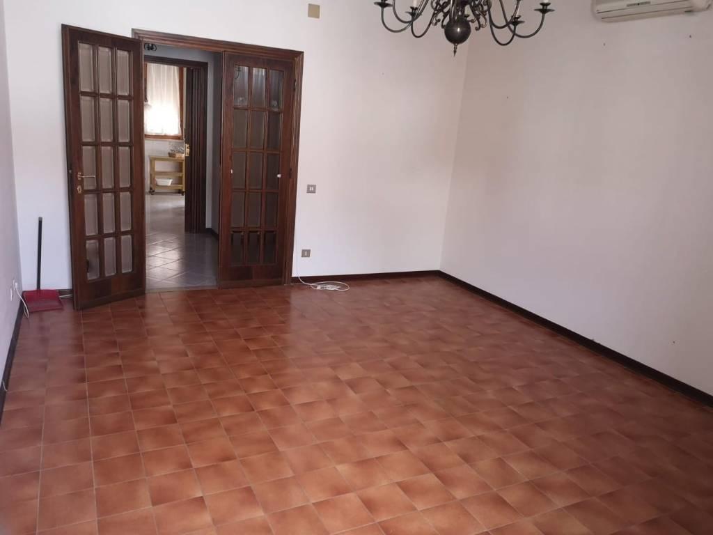 Appartamento in Vendita a Pisa Periferia Ovest: 5 locali, 155 mq