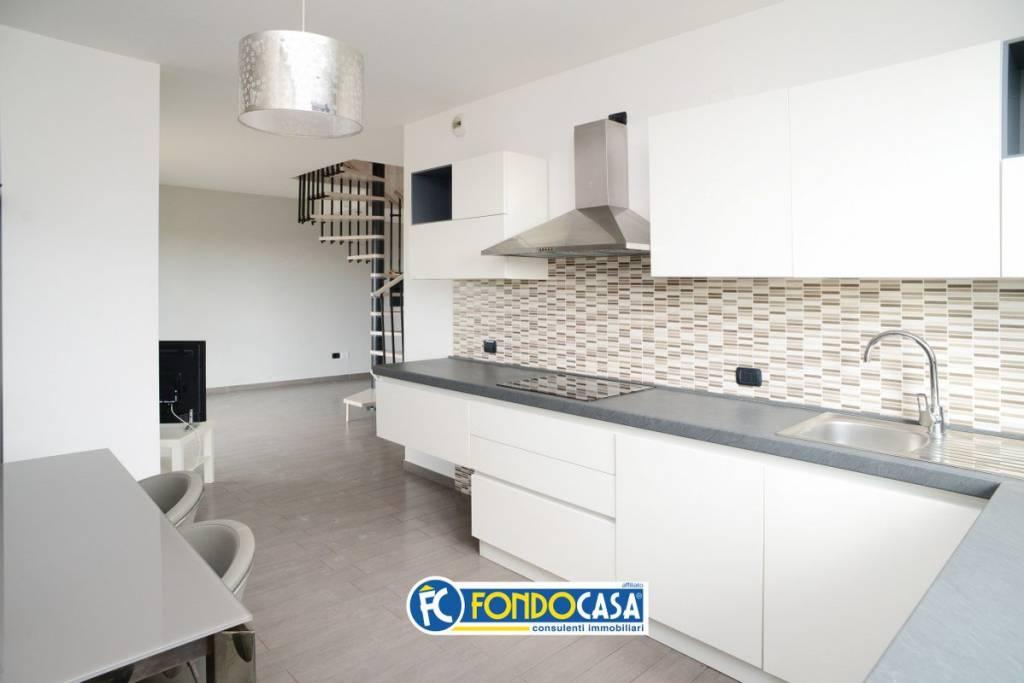 Appartamento in vendita a San Vittore Olona, 3 locali, prezzo € 175.000 | CambioCasa.it