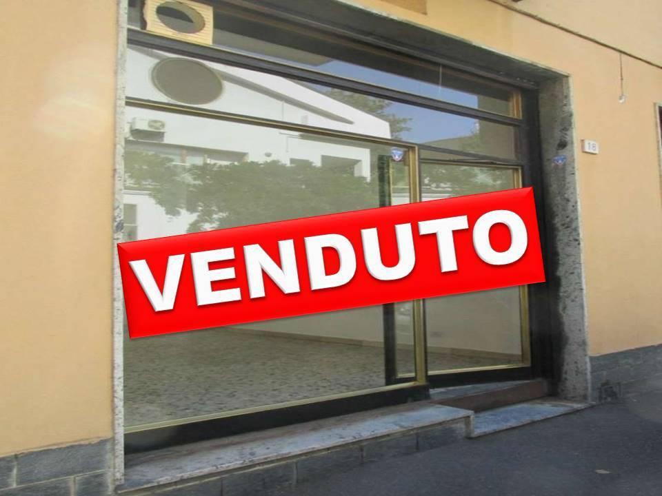 Negozio-locale in Vendita a Segrate: 1 locali, 45 mq