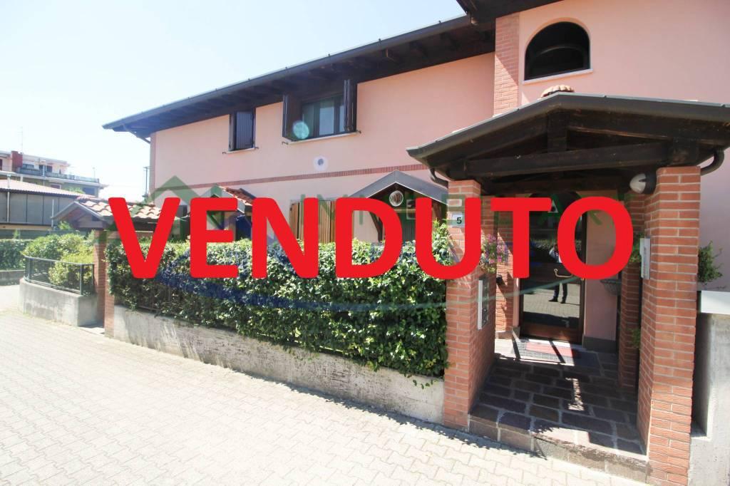 Appartamento in vendita a Somma Lombardo, 3 locali, prezzo € 119.000   CambioCasa.it