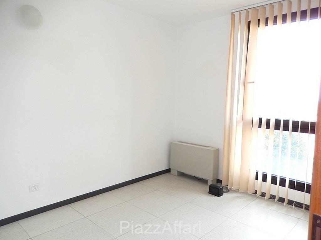 Ufficio / Studio in affitto a Piove di Sacco, 2 locali, prezzo € 450 | CambioCasa.it