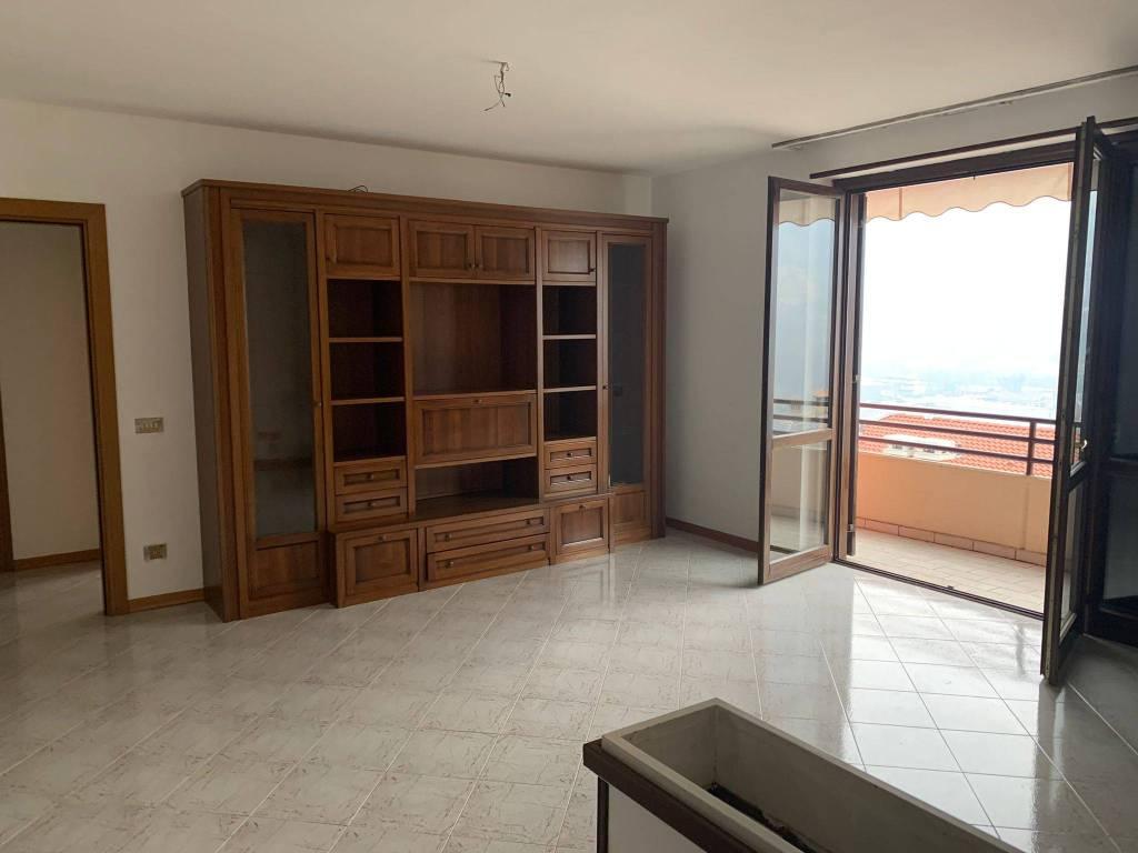 Appartamento in vendita a Gardone Val Trompia, 4 locali, prezzo € 165.000 | PortaleAgenzieImmobiliari.it