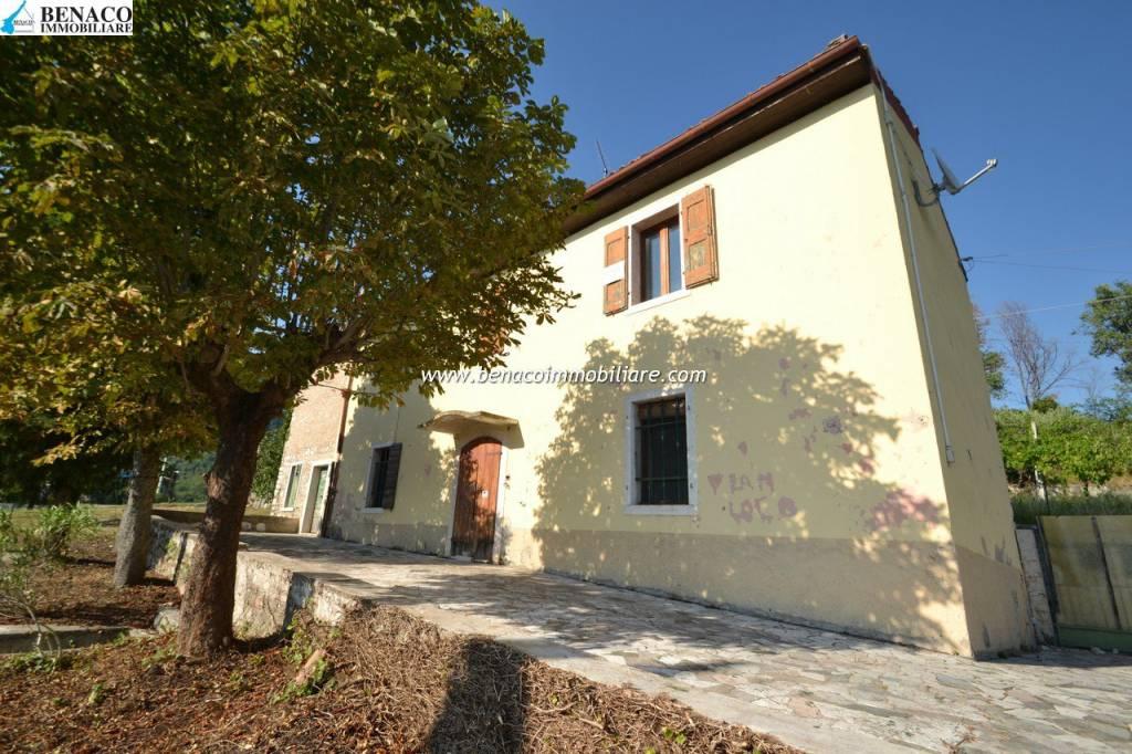 Rustico / Casale in vendita a Sant'Ambrogio di Valpolicella, 6 locali, prezzo € 298.000 | CambioCasa.it