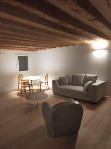 Appartamento in affitto a Padova, 2 locali, zona Zona: 1 . Centro, prezzo € 1.500 | CambioCasa.it